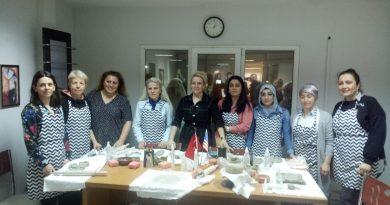 Çalışan 6 kadına sanat eğitimi