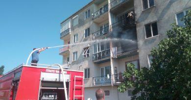 Kendi Evini Yaktı, Polis Yangına Müdahale Etti